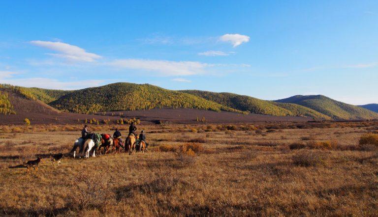 Saraa's Horse Trek Mongolia | Khaggi Khan Nuur Trek